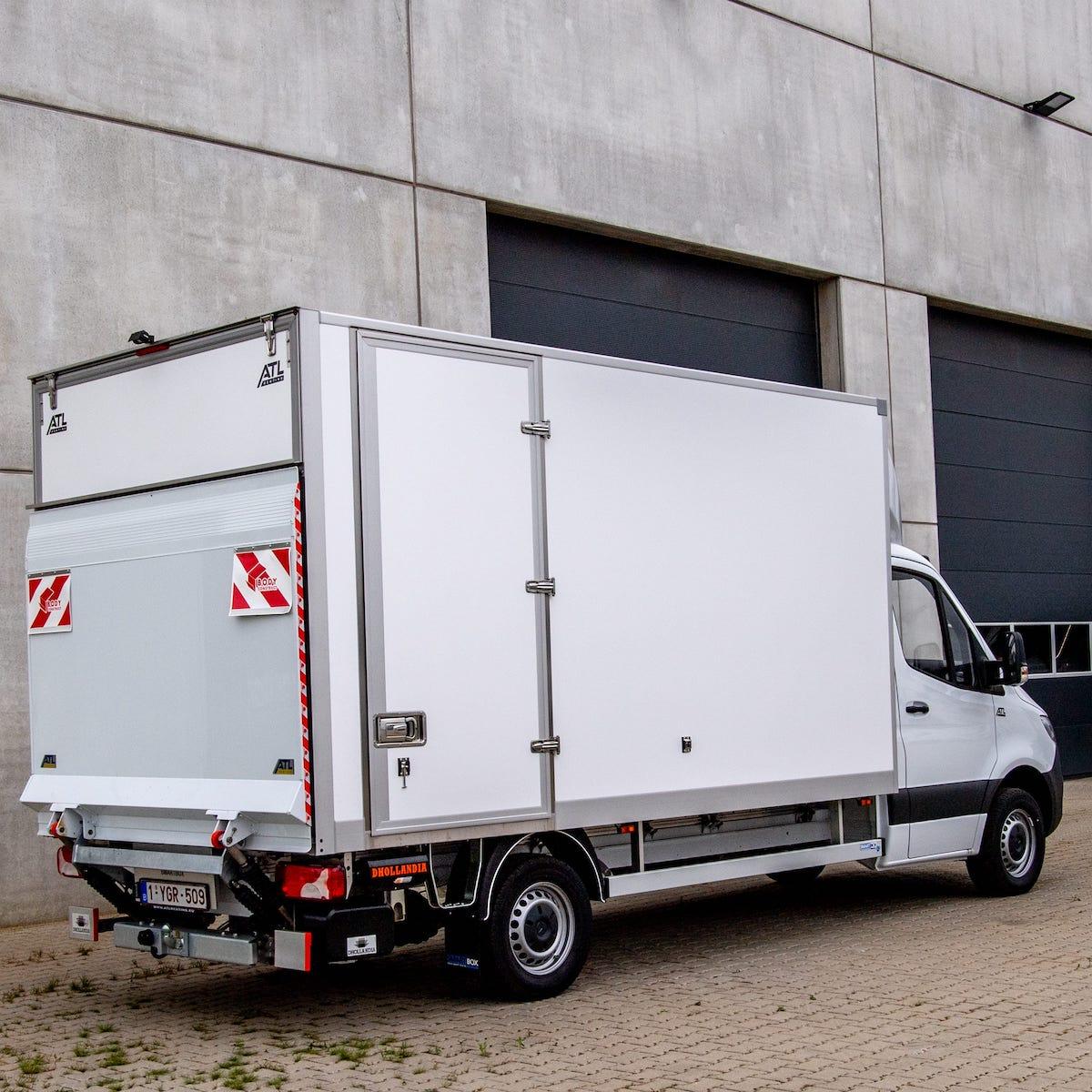 bestelwagen met meubelbak